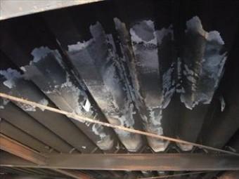 白錆のでた折板屋根