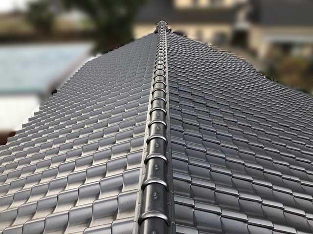 屋根の全体を目視する