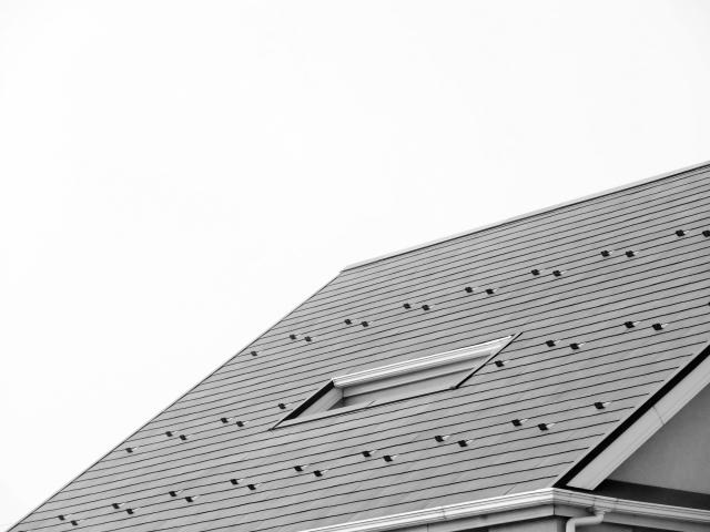 葺き替え予定の方必見!屋根材選びのポイント【スレート】
