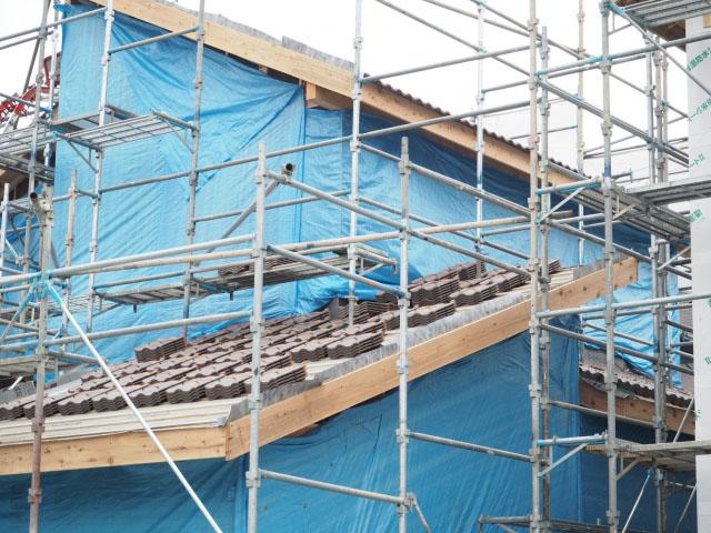 地震に強い瓦屋根の施工