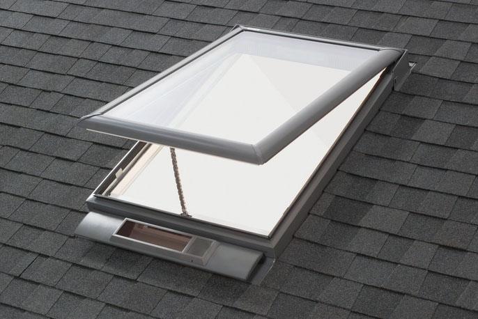 ソーラータイプの天窓